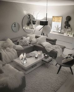 With the change of the season, many homeowners feel inspired to decorate and remodel their homes. To help you with your spring interior design efforts, I share my top ten decorating tips and tricks to help you decorate like a pro! Silver Living Room, Cute Living Room, Glam Living Room, Living Room Decor Cozy, Elegant Living Room, Small Living, Condo Living Room, Small Apartment Living, Living Room Goals