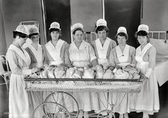 Enfermeras de maternidad (Washington, D.C., 1919). Imagen de Harris & Ewing Collection glass negative