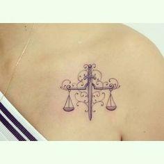 Resultado de imagem para tatuagens simbolo de direito