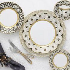 Black Dinnerware, Porcelain Dinnerware, China Porcelain, Vase Deco, Vases, Waterford Crystal, Fine Linens, China Patterns, Place Settings
