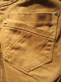 Men Trousers, Mens Trousers Casual, Denim Pants, Denim Ideas, Garra, Boys Jeans, Pants Pattern, Denim Fashion, Jeans Style