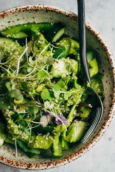 Super Green Detox Salad   Well and Full   #vegan #detox