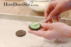 Oreo Cookie Sucker Tutorial - glad I found this before I started.