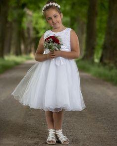 Så söt liten tärna! #malmen #malmslätt #natur #canon #bröllop #bröllop2016 #bröllop2017 #bröllopsfotograf #fotograf #meralink #linköping #linköpinglive #lkpg #jonas_fotograf #prinsessa