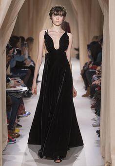 Collection printemps/été 2015 de la Maison de couture italienne Valentino (créée à Rome en 1960 par Giancarlo Giammetti et Valentino Garavani).