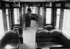 Berlin 1930er Strassenbahn der BVG Innenansicht