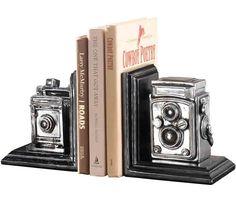 Aparador de Livros Câmera Vintage