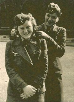From 'Signal' magazine - an article about Helferinnen at their postings checking if they are following army regulations regarding uniforms. They are checking the hair length here. Ww2 Women, Military Women, German Girls, German Women, Germany Ww2, Ww2 History, The Third Reich, Female Soldier, Eva Braun