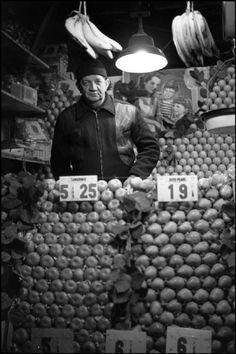 Henri Cartier-Bresson - New York City. 1947. 50th street.