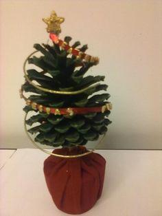 ENFEITES DE NATAL  Arvore de Natal de pinha 1