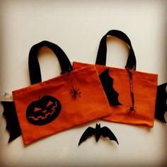 Tuto D.I.Y. : le sac à bonbons d'Halloween | Zumeline Sac Halloween, Bonbon Halloween, Diy Sac, Reusable Tote Bags, Tuto Sac, Making Purses, Gummi Candy