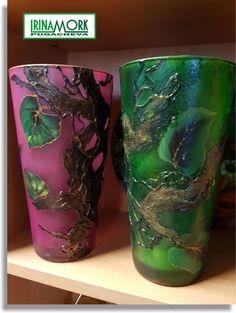 Glassvase | FINN.no h 22 cm Glassvase, hånddekorert med akryl. kr 300 per 1 st   #росписьстекла #декор #decor #glassdecor #vase #hobby #handmade #molde