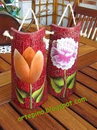 decorar teja facil - Buscar con Google Handmade Crafts, Diy Crafts, Decorated Flower Pots, Mexican Art, Decoupage, Painted Rocks, Mosaic, Recycling, Arts And Crafts