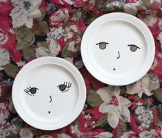 porcelain markers to make customized plates, bowls, mugs, etc! Awesome idea for this years craft fairs!