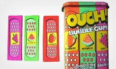 O Chiclete Band Aid Ouch Bubble Gum também marcou a vida das crianças que nasceram nos anos 90. O único problema é que a guloseima não costumava ser vendida no Brasil. Era preciso pedir para alguém trazer do exterior