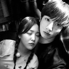 When Yeri is sleeping in Jeongguk arms💕 Goodnightsatan🌜 Jungkook Sleep, Bts Girl, Kpop Couples, Bts Group, Shiro, Yoona, Bts Wallpaper, Selfies, Fanart
