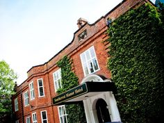 Redditch Southcrest Manor Hotel United Kingdom, Europe Southcrest Manor Hotel is conveniently located in the popular Central area. Both business travelers and tourists can enjoy the hotel's facilities and services. Service-minded staff will welcome and guide you at the Southcrest Manor Hotel. Guestrooms are fitted with all the amenities you need for a good night's sleep. In some of the rooms, guests can find television LCD/plasma screen, internet access – wireless (complimenta...