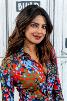 "Priyanka Chopra - discusses ""Quantico"" with the Build Series at Build Studio in New York City - April 2018 Bollywood Girls, Indian Bollywood, Bollywood Fashion, Bollywood Actress, Bollywood Saree, Bollywood Celebrities, Priyanka Chopra Hot, Lavender Gown, Estilo Fashion"