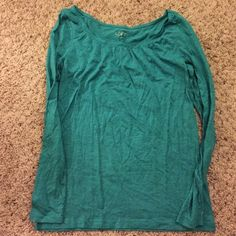 Loft long sleeve top Excellent used condition. No signs of wear or flaws. LOFT Tops Tees - Long Sleeve