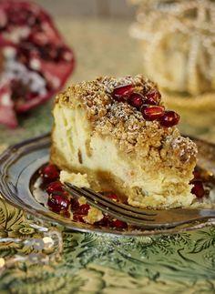 Murupintainen appelsiini-juustokakku // Orange-cheesecake with muscovado streusel Food & Style Elina Jyväs, Baking Instinct Photo Laura Riihelä www.maku.fi