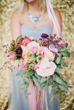 Organic+Purple+and+Lilac+Bouquet+with+a+Gold+Sequin+Backdrop+|+Summer+Shea+Photography+|+http://heyweddinglady.com/bridal-bouquet-styling-inspiration/