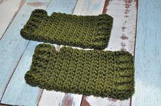 Hunter Green Fingerless Gloves Crochet by BellaHenryBoutique