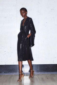Greta Constantine Resort 2020 Fashion Show - Vogue Fashion Week, Fashion 2020, Runway Fashion, Fashion Looks, Fashion Outfits, Womens Fashion, Fashion Trends, Prep Fashion, Weekend Fashion