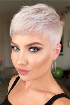 Today we have the most stylish 86 Cute Short Pixie Haircuts. We claim that you have never seen such elegant and eye-catching short hairstyles before. Pixie haircut, of course, offers a lot of options for the hair of the ladies'… Continue Reading → Super Short Hair, Short Grey Hair, Short Hair Cuts For Women, Short Hairstyles For Women, Hairstyles Haircuts, Very Short Pixie Cuts, Asian Hairstyles, Ladies Hairstyles, Blonde Short Hair Pixie