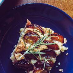 Rozmaringos-szilvás süti | foursity Beef, Food, Meat, Essen, Meals, Yemek, Eten, Steak