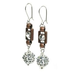 Razzle Dazzle Earrings | #DIY Jewelry |  Free Jewelry Patterns | Prima Bead
