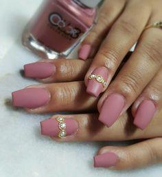 Matte dusky pink nails