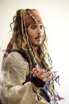 Visiting children in hospitals Aug 2017 Jack Sparrow Wallpaper, Hollywood Music, Johnny Depp Movies, Disney Secrets, Film Images, Steve Perry, Pirates Of The Caribbean, Bucky Barnes, We The People