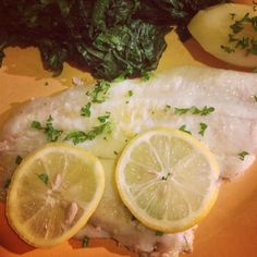 Filet de poisson aux épinards - Fish fillet with spinach #cuisine #food #faitmaison #homemade #poisson #épinard #cooking #eating #french #yummy #foodpic #foodgasm #ins...