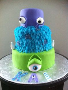 Monsters Inc birthday cake...OMG..we pulled off Yo Gabba Gabba last year..this is Rys new fav movie!!! hmmmmm