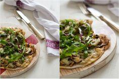 Pizza de Cogumelos e Queijo Nisa by Clavel`s Cook com microvegetais de beterraba Life in a bag