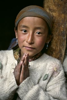 Nepal 1998, Steve McCurry Steve Mccurry Portraits, Global Village, Human Faces, World Peace, Our World, Smile Face, Diversity, Nepal, Peace And Love