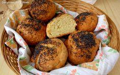 Morbidi e dal sapore deciso i Panini con farina di ceci ,preparati con solo farine naturalmente senza glutine,e arricchiti con semi di papavero.