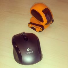 Say hello to our new colleague at the Madrid office! (it's the orange one, of course) cc @rafa_callcenter