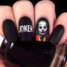 Will You Wanna Get One Popular Film Minicure? Pretty Incredible Nail Art Designs Inspired By Movies, Halloween Nail Art Inspired by Horror Films. Try this Popular Film Nail Art Designs Halloween Joker! Holloween Nails, Cute Halloween Nails, Halloween Acrylic Nails, Halloween Nail Designs, Disney Halloween, Halloween Decorations, Halloween Party, Halloween Costumes, Edgy Nails
