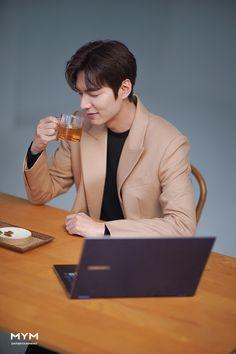 Korean Drama Songs, All Korean Drama, Boys Over Flowers, Lee Min Ho Smile, Lee Min Ho Dramas, Legend Of Blue Sea, Lee And Me, Song Joon Ki, Handsome Asian Men