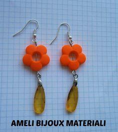 orecchini fatti a mano con microcristalli a goccia e fiore arancio fluo