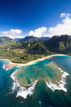 Scenic views of Kauai from above. Keâe Beach is at the end of the road on the North Shore.