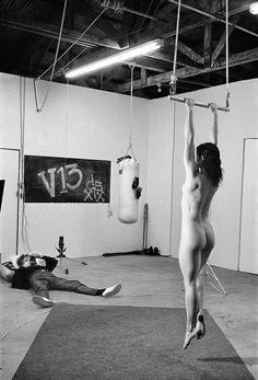 """Exposition """"Alice Springs"""" du 24  juin au 23 août 2015 à la MEP. Photo : Avec Lisa Lyon, Venise, 1981 © Alice Springs"""