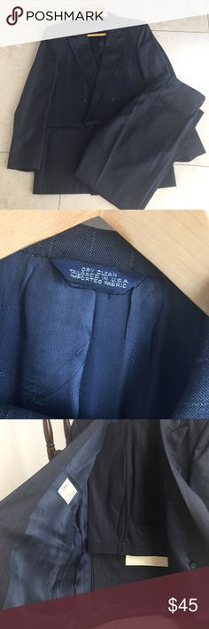 """LOUIS ROTH Mens Blue SUIT 40R / 34 pants LOUIS ROTH Mens Blue SUIT 40R / 34"""" waist and 30"""" pants - beautiful suit and excellent condition ! Tailored in USA south Florida ! Great for work or event and can't beat this price! louis roth Suits & Blazers Suits"""