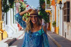 Antes de conhecer Cartagena das Índias, li alguns trechos dos romances de Gabriel García Marquez, ambientados e inspirados na cidade que, segundo ele, é a mais bonita do mundo. Não sei se deveria concordar, pois o mundo ainda me reserva muitos lugares a serem descobertos, mas sei que é impossível conhecer Cartagena sem despertar a…
