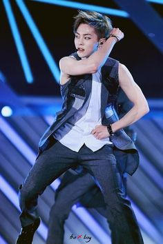 Xiumin - dream concert growl stage