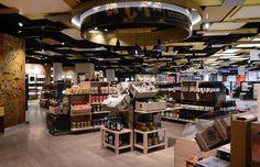 Project name: GEBRÜDER HEINEMANN WIEN | Project location: WIEN, AUSTRIA | Sales area: 1.250 m² | Opening: 06/2014  Umdasch Shopfitting - Travel Retail