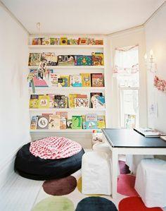 Good kinderzimmer deko ideen gr nes bett raffrollo Kinderzimmer u Babyzimmer u Jugendzimmer gestalten Pinterest