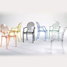 A comfortable armchair in transparent and colored polycarbonate in the Louis XV style: it is the quintessence of baroque revisited to dazzle, excite and captivate. Louis Ghost is the most daring example of the world of injected polycarbonate in a single mould. Despite its evanescent and crystalline appearance, Louis Ghost is stable and durable, shock, and weather resistant. It can also be stacked six high. This article has great charm and considerable visual appeal and brings a touch of…