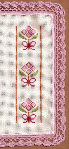 Blanket in cross stitch and crochet 123 Cross Stitch, Cross Stitch Bookmarks, Cross Stitch Borders, Crochet Borders, Cross Stitch Charts, Cross Stitch Designs, Cross Stitching, Cross Stitch Embroidery, Hand Embroidery